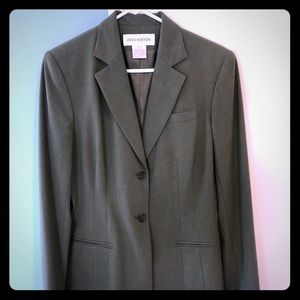 New with tags Jones New York blazer in Olive green